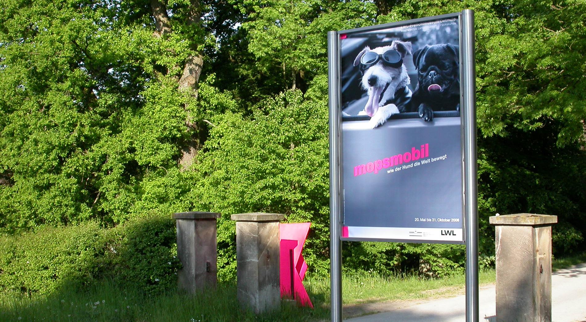 Ausstellung mopsmobil im Rahmen der Jahrresausstellung des LWL Freilichtmuseum Detmold