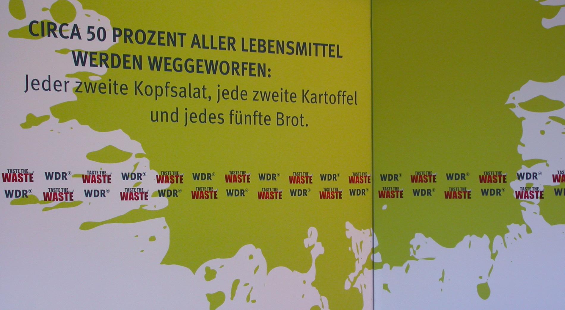Branding Kino Cinenova zur Premiere des Films Taste the Waste, Pressehintergrund