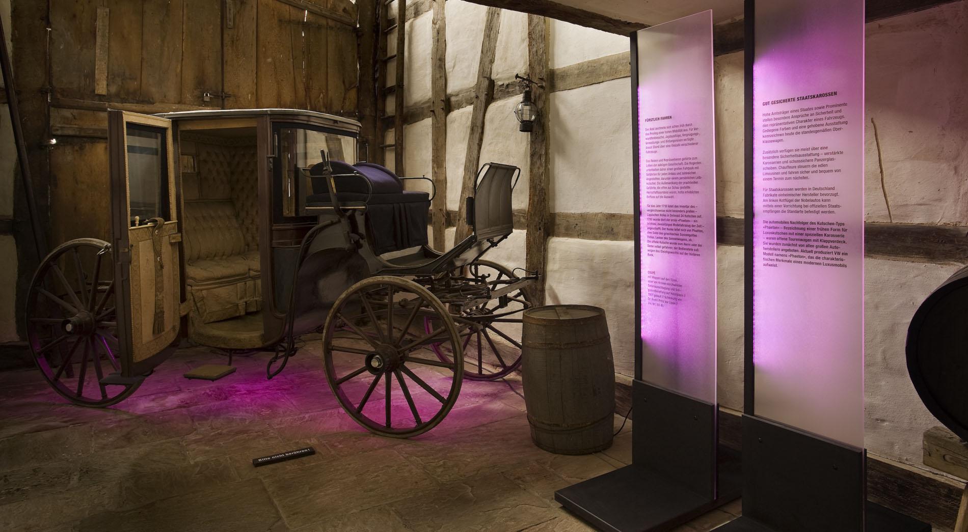 Infostation Prunk der Jahresausstellung 2008 des Freilichtmuseum Detmold