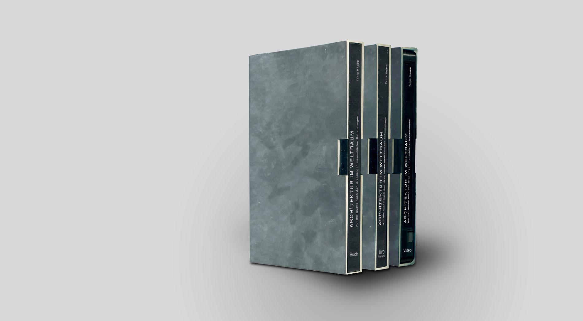 Box mit DVD, Video und Buch